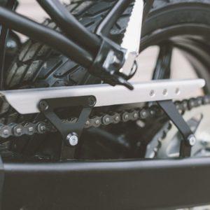 osłona-łańcucha-alu-sw-motech-suzuki-sv-650-abs-15-srebrna-monsterbike-pl