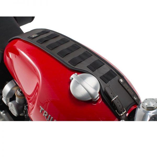 pas-mocujący-torby-akcesoryjne-sla-legend-gear-sw-motech-triumph-models-brązowy-monsterbike-pl