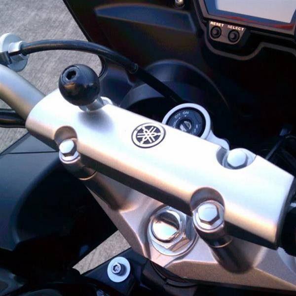 zaciskowa-podstawa-montażowa-do-kierownicy-ze-śrubami-ram-mounts-ram-b-367u-czarna-monsterbike-pl-2
